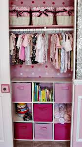 organisation chambre bébé un peu d organisation dans le placard ou l armoire de bébé