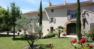 chambre hote vaucluse bed and breakfast in provencal farmhouse near of avignon le