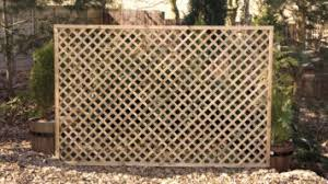 4 Ft Fence Panels With Trellis Fencing Panels And Natural Timber Fencing Earnshaws Fencing Centres