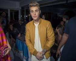 Vanity Fair Phone Number Justin Bieber And Jennifer Lawrence Make Friends At The Vanity