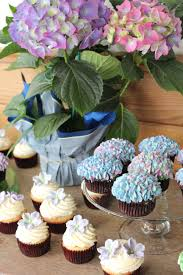 bridal shower cupcakes u2013 there goes the cupcake u2026