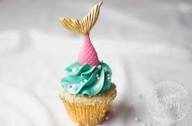 mermaid cupcakes diy mermaid cupcakes in 6 easy steps mermaid cupcakes mermaid