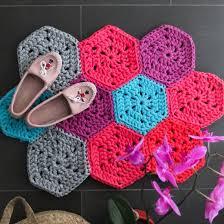 Crochet Tshirt Rug Pattern Crochet Hexagon Rug Pattern Craftgawker