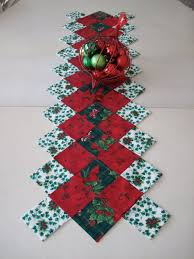 25 christmas runner ideas quilted table