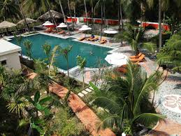 4 night stay in well rated beachfront hotel in mui ne beach