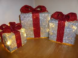 Present Decoration All Indoor And Outdoor Decorations Www Uk Gardens Co Uk
