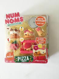 Amazon Com Duck Covers Ultimate - amazon com num noms series 2 pizza party toys u0026 games num noms
