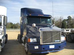 volvo truck tractor 1995 volvo white t a truck tractor