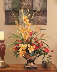 Faux Floral Centerpieces by Best 25 Silk Floral Arrangements Ideas On Pinterest Silk Flower