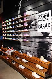 Shop In Shop Interior by Best 20 Shoe Store Design Ideas On Pinterest Shoe Shop Design