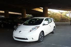nissan leaf s vs sv first look 2016 nissan leaf sl w premium package youtube