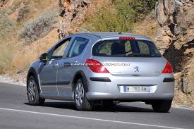 peugeot 308 2004 scoop peugeot mule testing 308 u0027s replacement which will likely