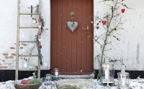 outdoor christmas decorating ideas easy outdoor christmas decorating ideas slucasdesigns