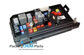 cadillac fuse box cadillac dts buick lucerne engine compartment