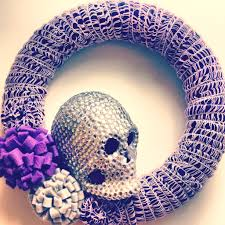 the craft caboodle yarn wrapped halloween wreath