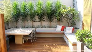 adorable design ideas for your small courtyard