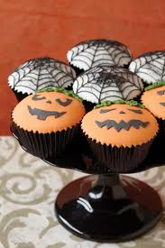 halloween decorated cupcakes spooky halloween cupcake