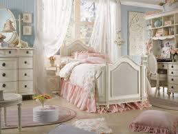 chambre style shabby chambre à coucher de style shabby chic en 55 idées shabby chic
