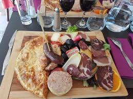 3 cuisine gourmande assiette corse gourmande et brochette 3 viandes et café