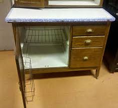 Sellers Kitchen Cabinets A Lovely Hoosier Kitchen Cabinet Auction Finds