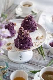 騅ier de cuisine blanco in the kitchens of beige alain ducasse are gathered the