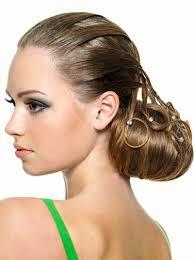 Hochsteckfrisurenen Lange Haare Dutt by Großer Dutt Im Nacken Gestylt Hochsteckfrisuren Für Lange Und