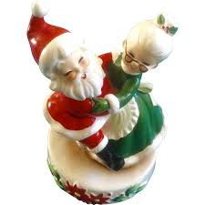 josef originals santa and mrs claus box figurine