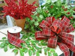 Decorate Christmas Tree Ribbon Video by 35 Best Making Bows Images On Pinterest Ties Christmas Ideas