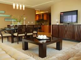 painting ideas for living rooms with brown furniture