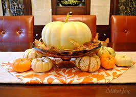 Dining Room Table Decorating by Best 25 Fall Dining Table Ideas On Pinterest Autumn Decorations
