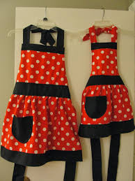 funny thanksgiving aprons aprons galore the proule life