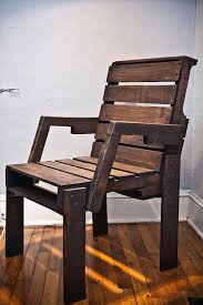 reprocessed wood pallet captain u0027s chair ideas with pallets