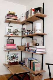 Bookshelves Small Spaces by Best 20 Corner Shelves Ideas On Pinterest Spare Bedroom Ideas
