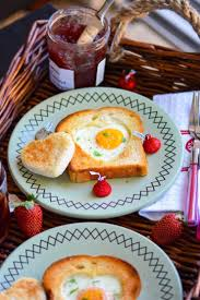 Dinner Ideas For Valentines Day At Home Sunny Side Up Egg Heart Toasts For Valentine U0027s Day Breakfast