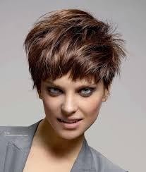 Moderne Kurze Frisuren by Schick Und Moderne Kurze Frisur Mit Stufen Verwuschelter Look