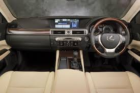 lexus es 250 vs bmw 320i sophisticated cars lexus gs 250