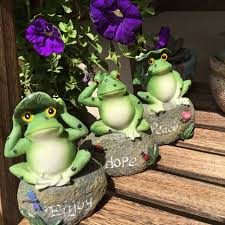 frog decorative garden statues and ornaments outdoor