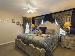 musical theatre bedroom glam decor on budget property image16
