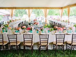 How Much Are Centerpieces For Weddings by Here U0027s The Average Cost Of A Wedding Dress