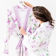robe de chambre en robe de chambre pour la mariee lavande et ses demoiselles d honneur