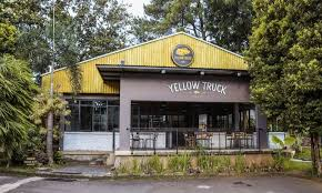 Yellow Truck Coffee yellow truck coffee bogor riki sugianto