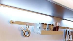 eclairage cuisine sous meuble le led cuisine amazing cool luminaire cuisine dessus evier with