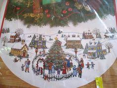 skater s tree skirt 45 gold collection dimensions counted