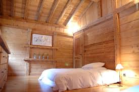 chambre en bois chambre en bois chambre a coucher en bois senegal emejing meuble