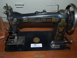 446 best antigue sewing machines images on pinterest sew