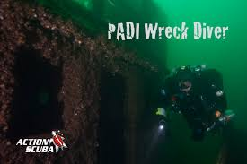 padi wreck diver specialty course montreal scuba diving lessons