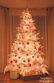 very merry vintage syle o white christmas tree o white