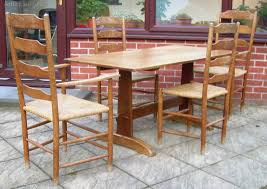 atlas chairs and tables antiques atlas a table 4 chairs by robin nance
