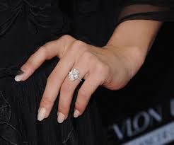 julianne hough engagement ring julianne hough is seriously pulling this carpet lewk