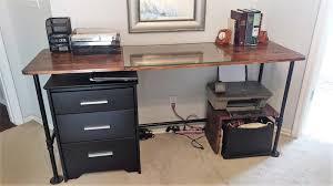 Pipe Desk Diy How To Make A Metal Pipe Desk Splendry